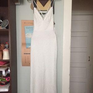 Elegant Wedding Dress with Beautiful Lace